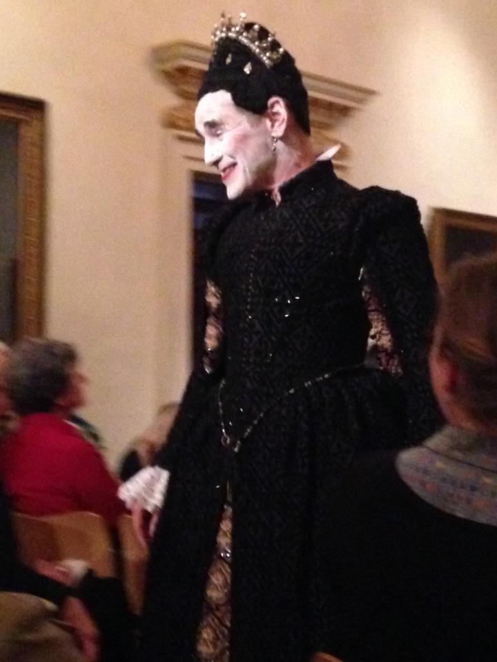 dressing an italian countess